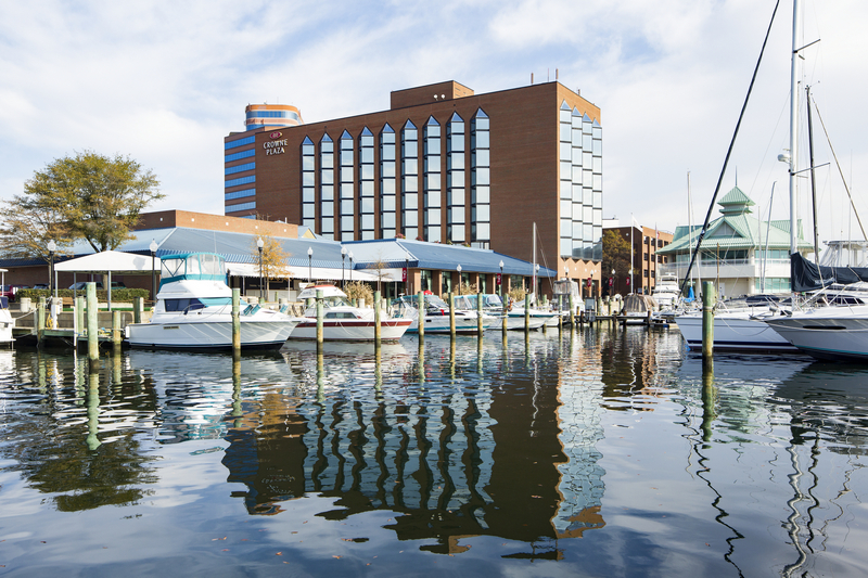 Crowne Plaza Hampton Marina